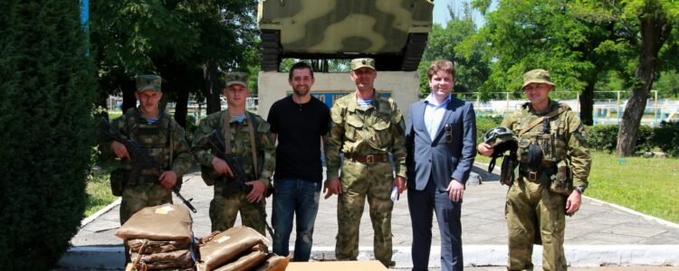Paratroopers receive new uniforms