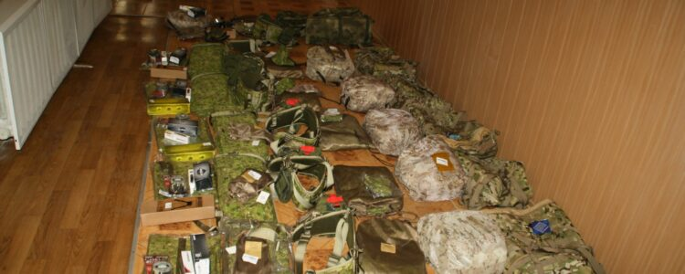 Kirovograd snipers get 7 equipment sets from volunteers