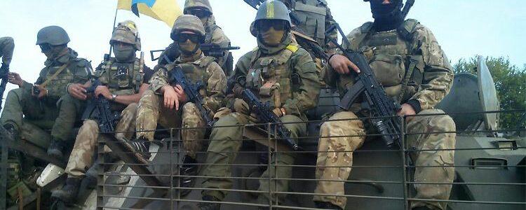 Тактичні окуляри випробували вогнепальною зброєю і засвідчили їх надійність