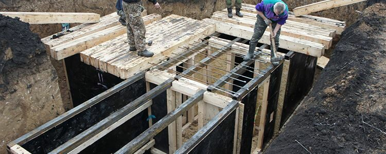 Construction of first blindages for Marines begins