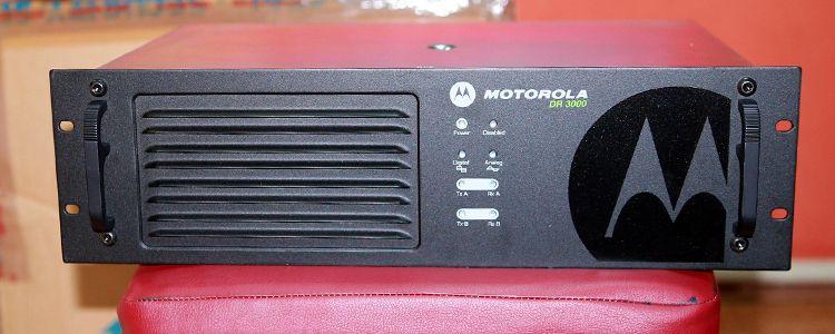 """Ретранслятори Motorola для """"Кіборгів"""""""