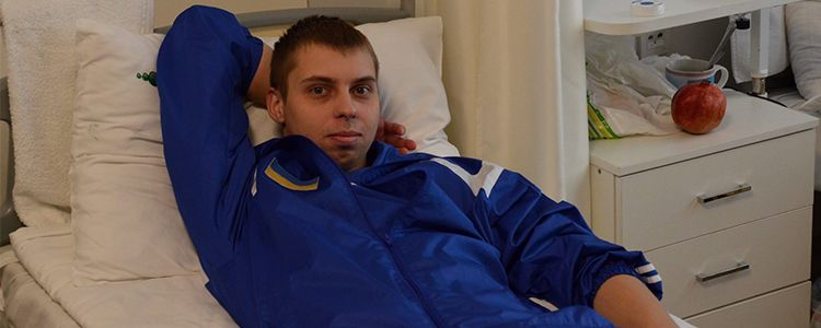 Volodymyr prepares for the first stage of treatment