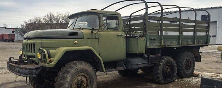 Волонтери продовжують ремонтувати автомобілі військових