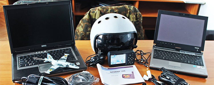 Комп'ютери та навігатор передали пілотам тактичної авіації