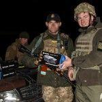 Волонтери під обстрілами передали високотехнологічну техніку у Водяному