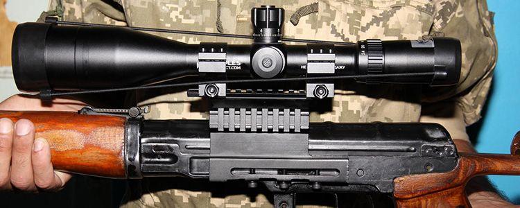Снайпер 10 бригади отримав новенький приціл та далекомір