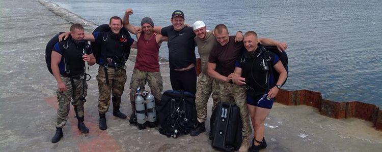 Волонтери навчили військових водолазів протидіяти диверсіям