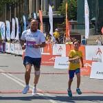 Аби зібрати гроші на спортивний протез, ветеран АТО пробіг на протезі звичайному марафон у 2 км