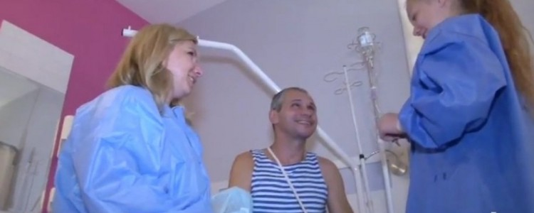 Instead of amputation: a new bone is being grown for wounded soldier