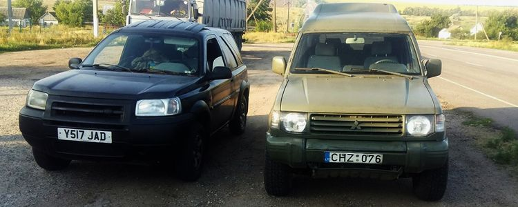 Volunteers deliver Marines tasked with defense of Mariupol four vehicles