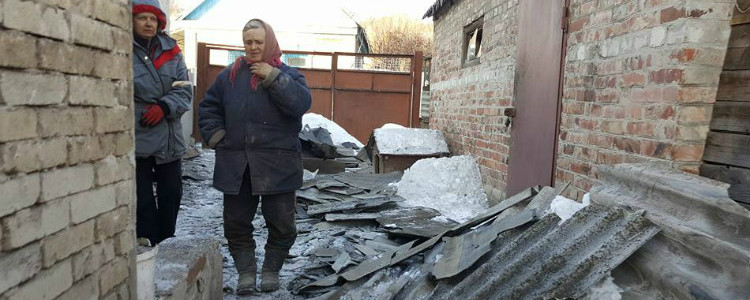 Hot details of a night shelling in Avdiyivka (Photos and Video)