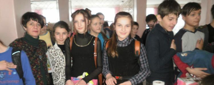 Школярі провели ярмарок і зібрали кошти для важкопораненого бійця