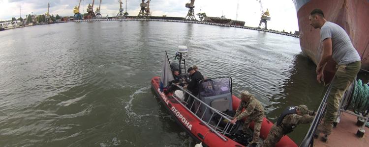 Водолазна гостинність: бойові підводники запросили журналістів до Маріуполя