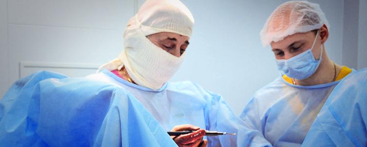 Пораненому бійцю 28 ОМБр провели вкрай тяжку операцію на нозі
