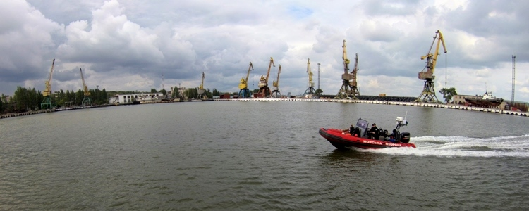 Ukrainian army divers protect against sabotage at sea