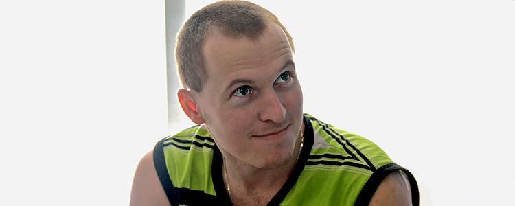 В гості до Петра: волонтери відвідали тяжкопораненого бійця «Біотеху»