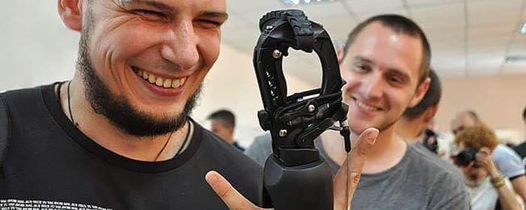 Ukrainian prosthetist taught to make incredible artificial limbs