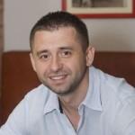 Уповноваженим міністра оборони з питань закупівель призначений волонтер Давид Арахамія