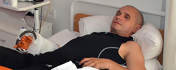 В гості до Володимира: «Біотех» рятує руку, в якій немає кісток