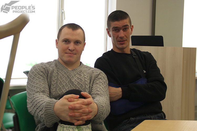 """It torn his entire heel off, and he is just standing still!"" – comrade tells about paratrooper who hit landmine 