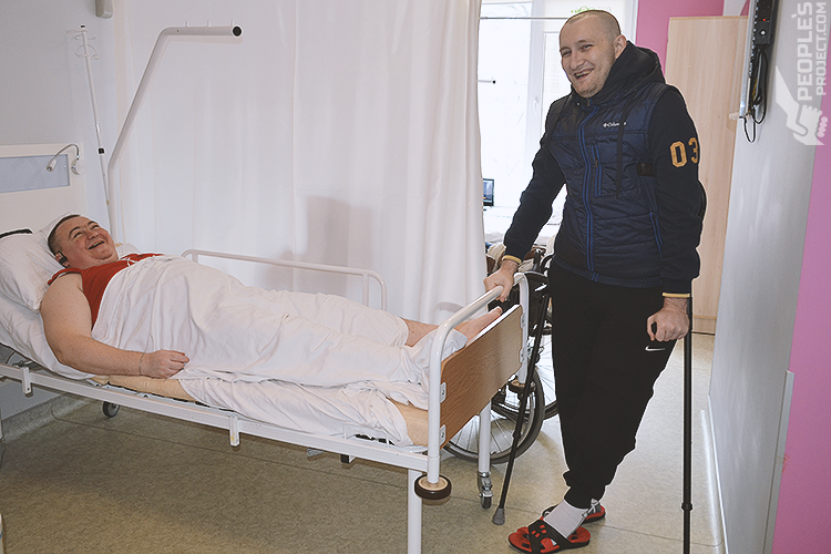 Not as planned: young volunteer Vitaliy undergoes a few non-scheduled surgeries | People's project