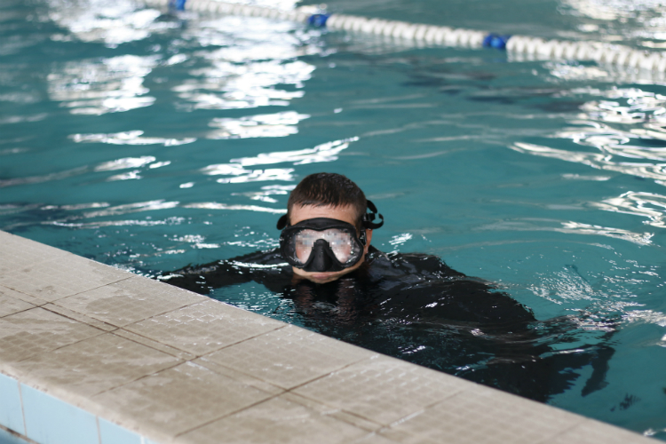 Volunteers teach special ops divers to fight against infiltrators | People's project