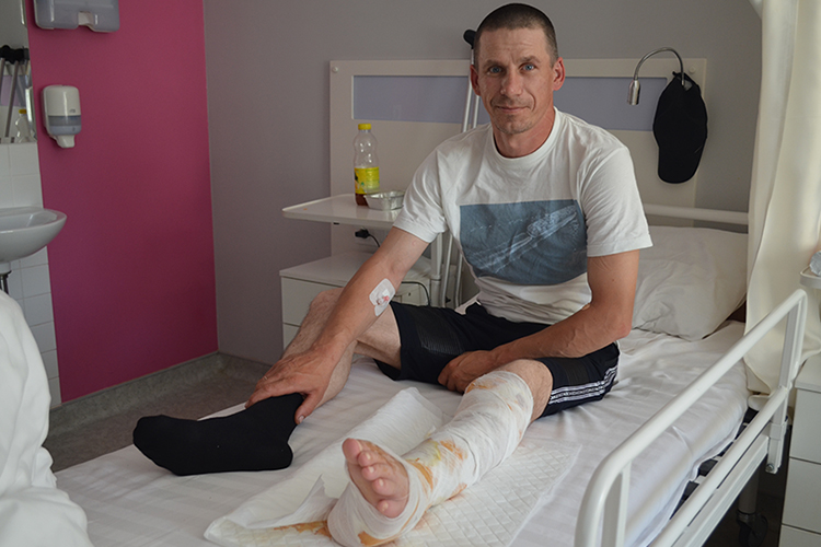 NGU's fighter Volodymyr got apparatus removed from his restored shinbone! | People's project