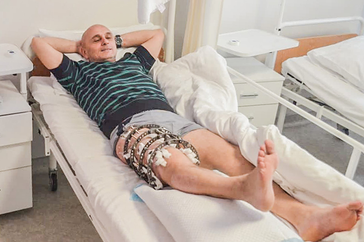 Four years until first step. ATO veteran gets 14cm of crushed bone restored | People's project