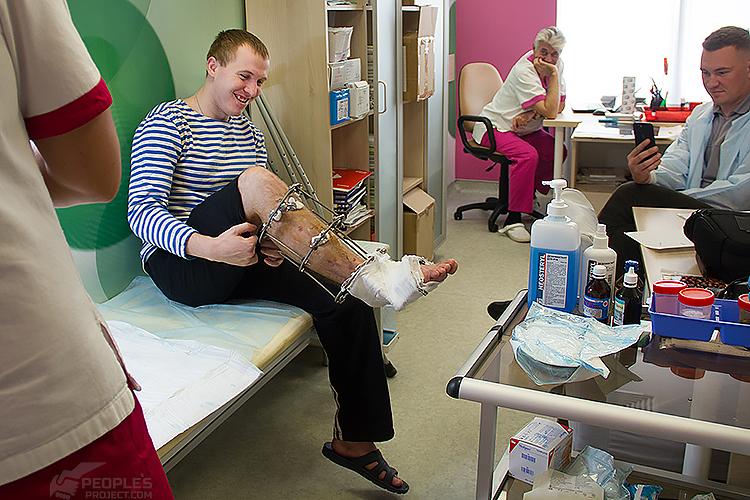«Тримає розірвану ногу і мовчить». Ветеран АТО про війну, втрати та майбутнє | People's project