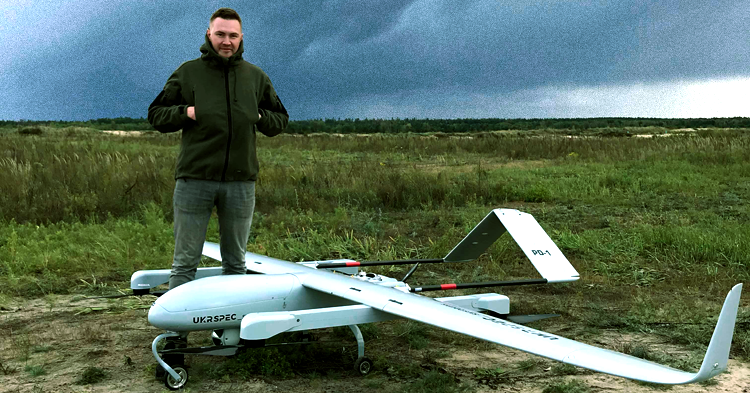 Volunteers from People's Project show new UAV to military | People's project
