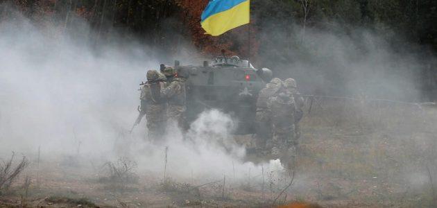 ООС: двоє українських захисників поранено у боях
