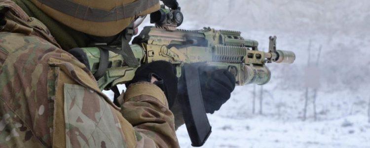 Обстріл вантажівки 72 ОМБР: постраждали десятеро військових