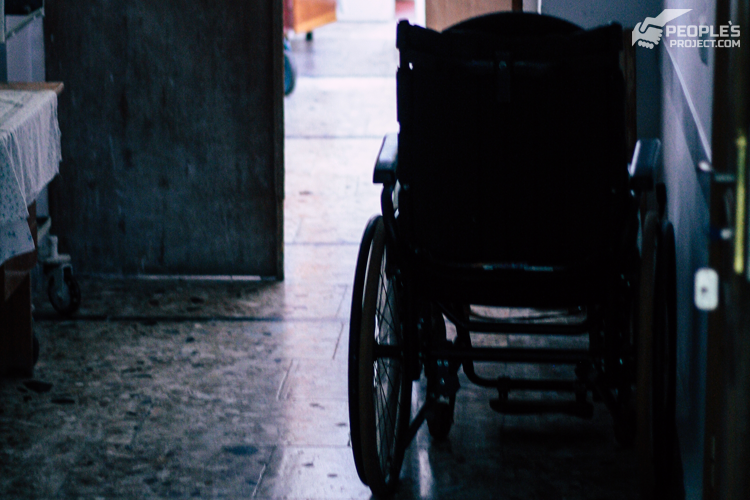 «А чому не держава?» Чому допомогти лікарям мусимо саме ми | People's project