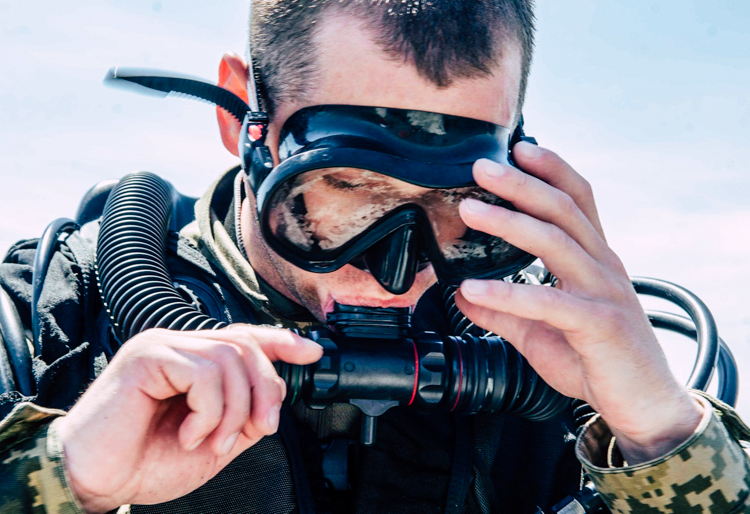 Power and misery of the Ukrainian Navy: interview with the volunteers of the School of Military Divers | People's project