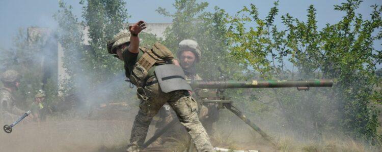 На Донбасі поранено захисника України