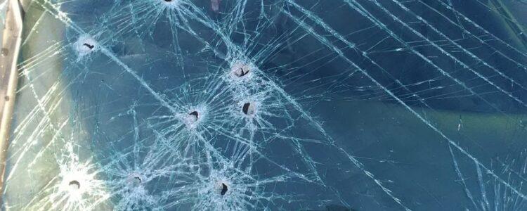 Російські окупанти знову обстріляли авто медиків. Є поранені