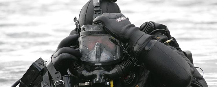 Ukraine trains unique specialists for undersea war